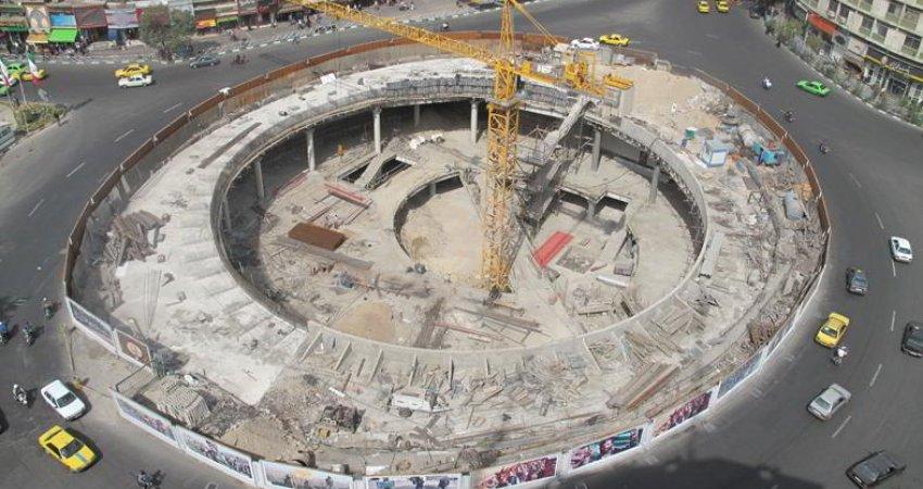 ساخت مجتمع تجاری در مترو ایستگاه ولیعصر صحت ندارد