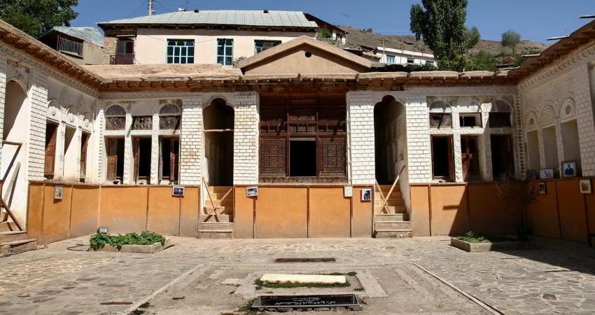 گزارشی از خانه نیما یوشیج در سالمرگ این شاعر