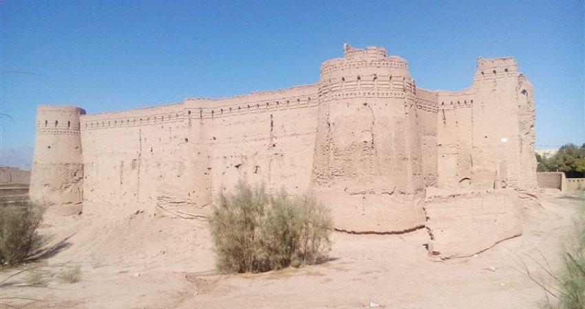 انتقاد از تخریب بافت تاریخی روستای «ابرندآباد» یزد