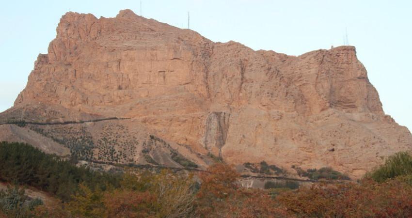 توقف عملیات عمرانی خط دوم تله کابین در محدوده شاه دژ