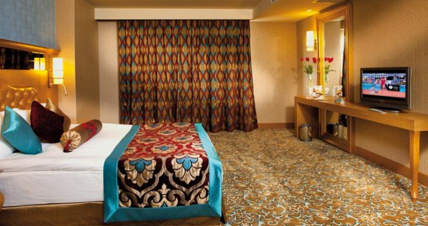 سد دولت برابر آزادسازی نرخ هتل ها
