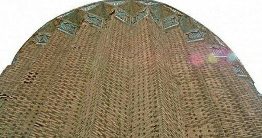 نمایشگاه صنایع دستی در برج 750 ساله