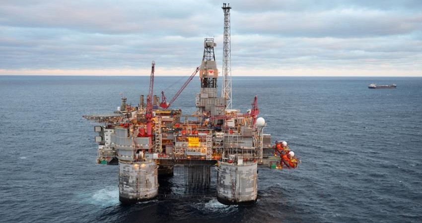 آیا افت قیمت نفت، نگاه ها را به گردشگری بر می گرداند؟