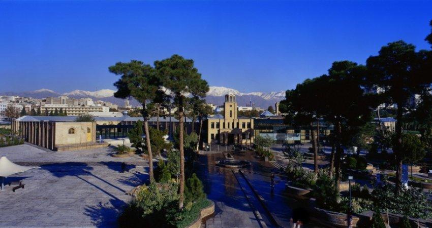 """موزه اتومبیل های قدیمی و کلاسیک در """"باغ موزه قصر"""""""