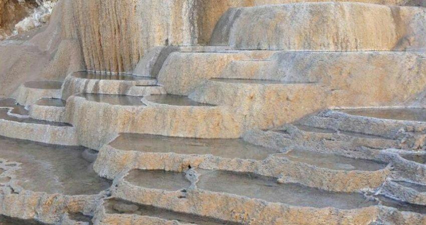 ثبت چشمه های آب شور ندوشن در فهرست میراث طبیعی