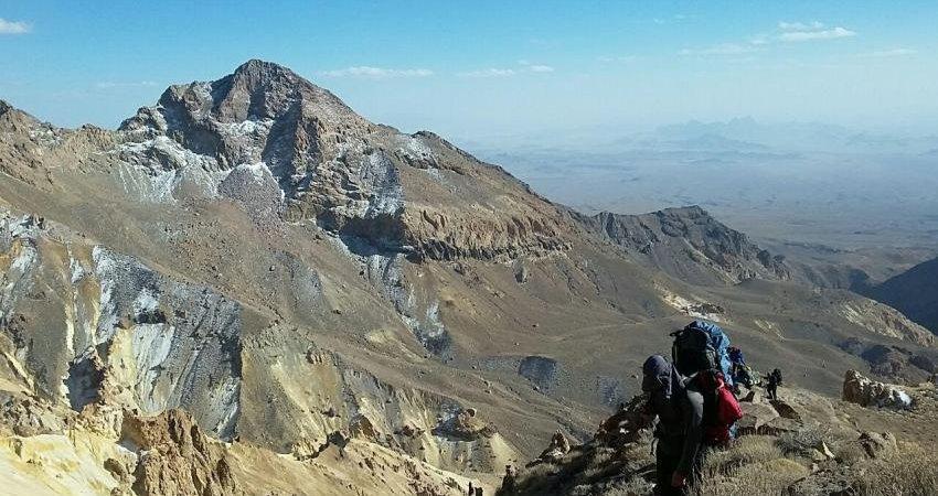 تفتان میزبان گردشگران و کوهنوردان خارجی و داخلی