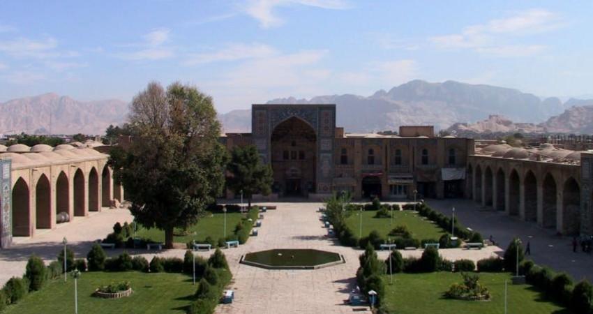 بازدید معاون رئیس جمهوری از بازار و مجموعه های تاریخی کرمان