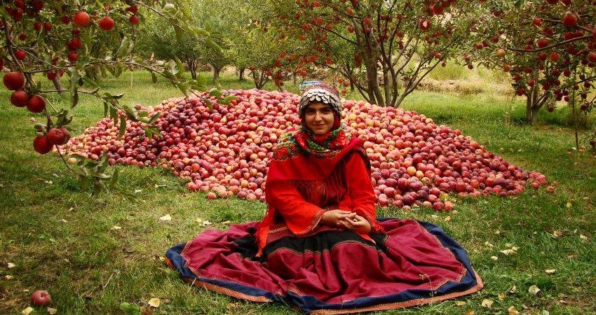 لباس اقوام ایرانی در بلغارستان به نمایش درآمد