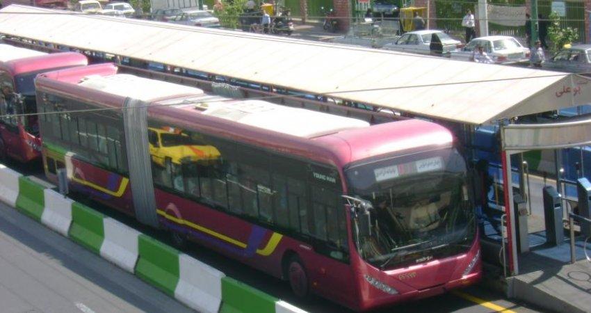 بهره برداری از تابلوهای بریل در خط BRT تهران