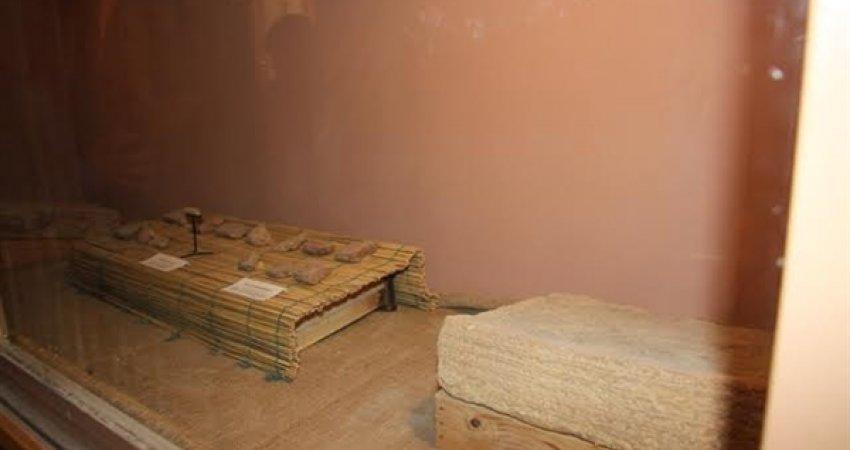 ساخت آجرهای دوران عیلامی در آزمایشگاه موزه هفت تپه