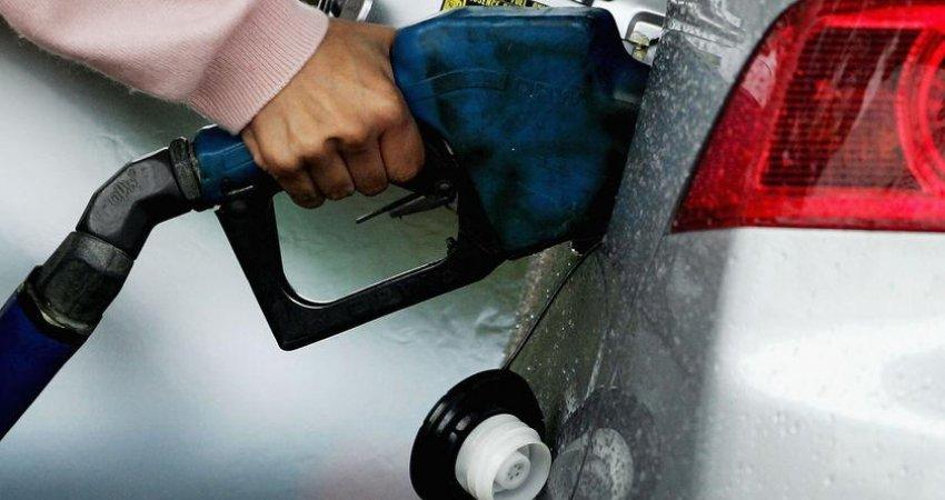 سناریوی گرانی بنزین روی میز رفت؟