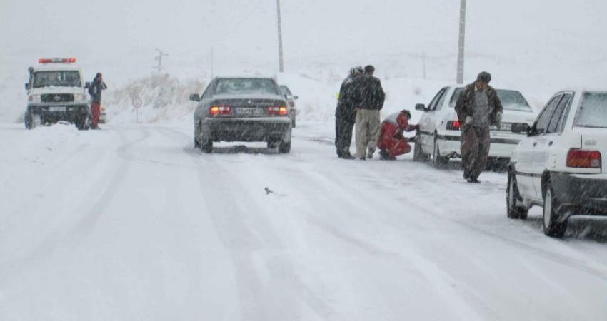 بارش برف و ترافیک در دو استان