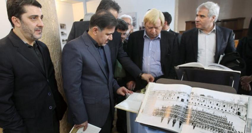 میراث معنوی ایران روی دوش برخی سنگینی می کند