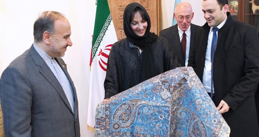 گردشگری زمینه تبادل اشتراکات فرهنگی ایران و یونان را فراهم می کند