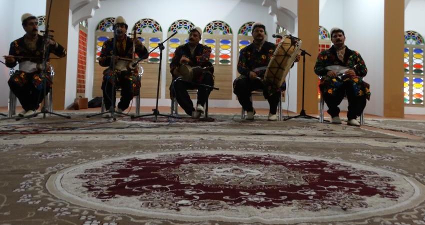 طنین موسیقی سنتی و آیینی استان ها در نمایشگاه گردشگری