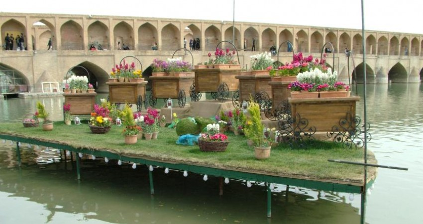 سهم ایران از درآمد گردشگری جهان تنها نیم درصد است