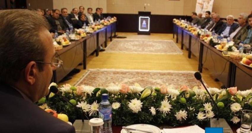 نایب رئیس مجلس قول بررسی مشکل هتلداران را داد