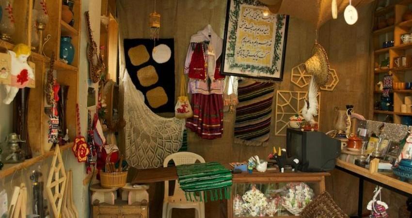 اعطای نشان ملی اعتماد به فروشگاه های صنایع دستی