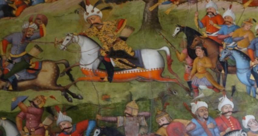 پاکسازی گرد و غبار از نقاشی های جنگ چالدران در چهلستون