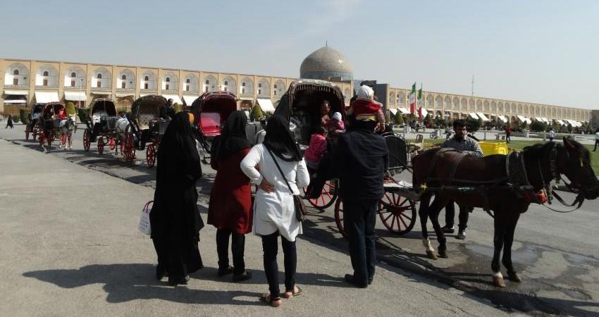 """گزارش """"یورومانیتور"""" از پست و بلندی گردشگری ایران"""