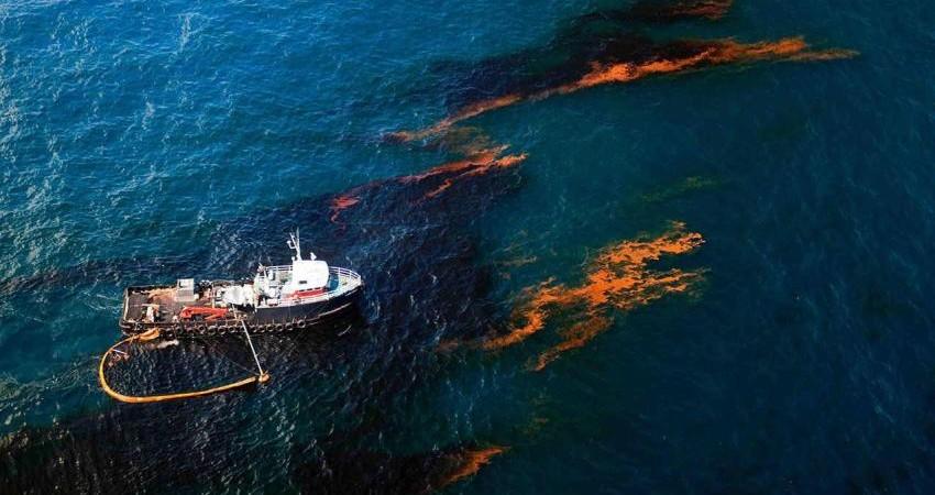 دریای خزر قربانی فاضلاب و آلودگی نفتی