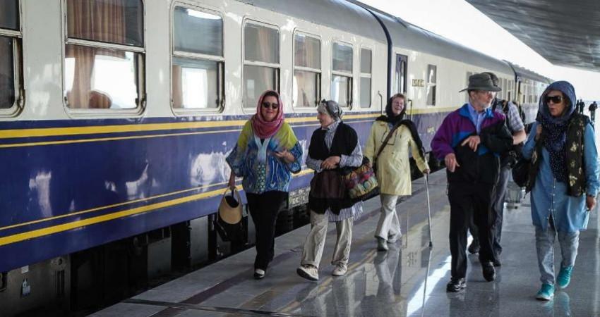 عملکرد حرفه ای کادر راه آهن ایران در قبال قطار عقاب طلایی