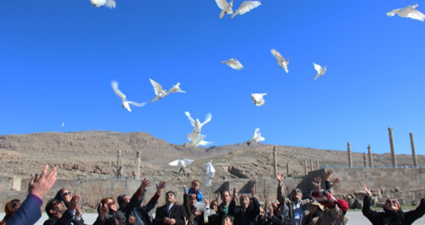 بزرگداشت روز جهانی بناها و محوطه های تاریخی در تخت جمشید برگزار شد