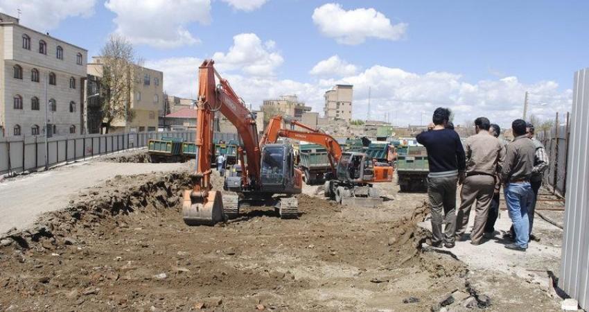 عملیات ساخت پاركینگ آقاجانی بیگ همدان با كشف شواهد تاریخی تعطیل شد