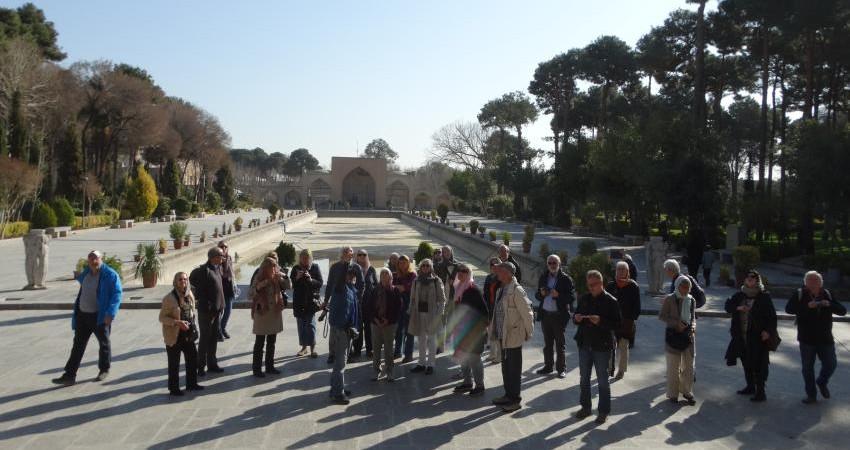 بایسته های قانونی برای راهنمایان گردشگری