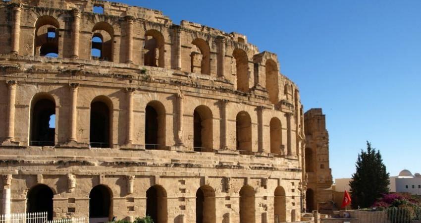 بیم و امید برای احیای گردشگری تونس