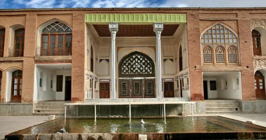 تحویل دو بنای تاریخی به سرمایه گذاران اصفهانی