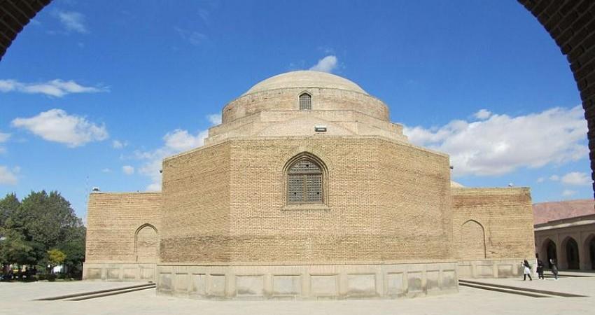 مجوز واگذاری بناهای تاریخی در دست نهاد های دولتی