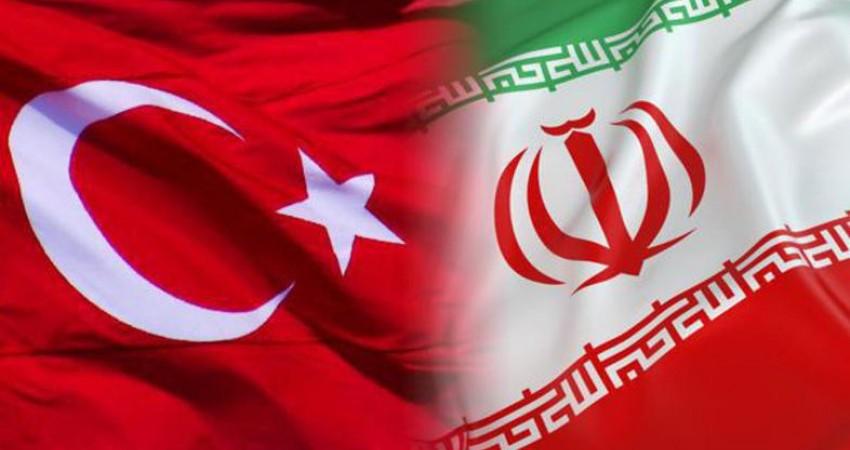 دیدار سفیر ایران در آنكارا با وزیر فرهنگ تركیه