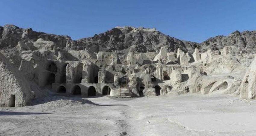ارائه طرح پژوهشی کوه خواجه توسط باستان شناسان ایتالیایی