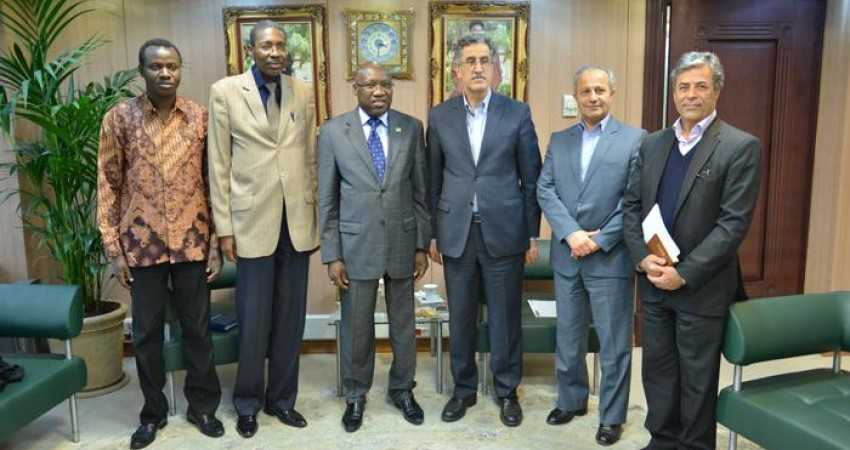 سنگال به دنبال تبادل گردشگر با ایران است