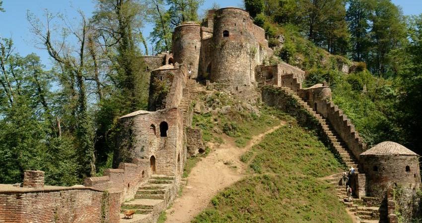 قلعه رودخان مرمت می شود
