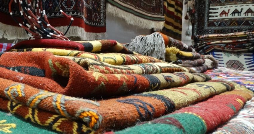 گره گشایی از تار و پود فرش و صنایع دستی