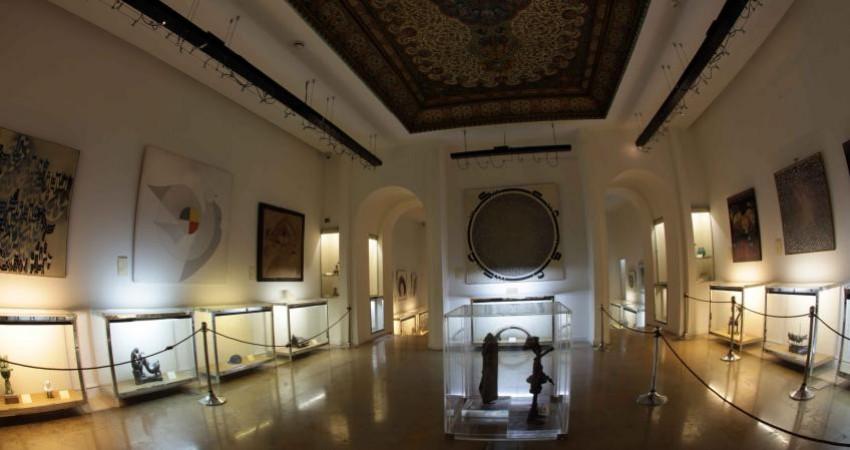 کاخ نیاوران در روز 21 ماه رمضان تعطیل است