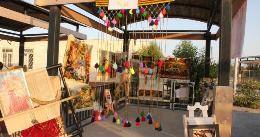 نمایشگاه صنایع دستی در گناوه دایر شد