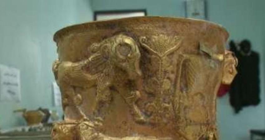 کشف اشیای عتیقه 3 هزار ساله در مرند