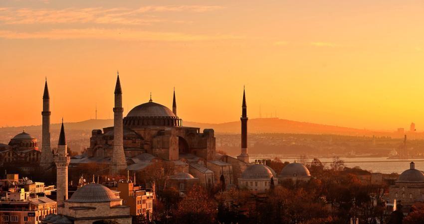 درخواست سازمان جهانی گردشگری: ترکیه را تنها نگذارید