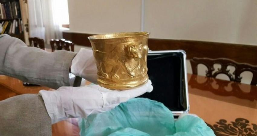 جام زرین کلاردشت به موزه ملی ایران برگشت