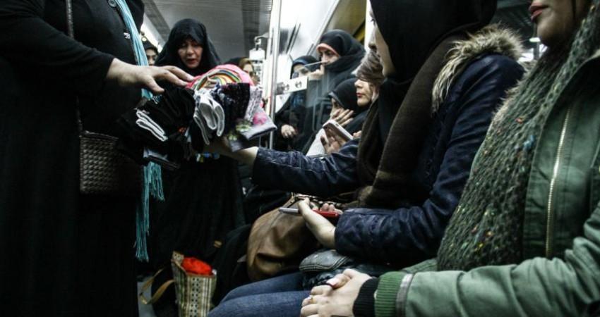 سکوهای مترو در «قرق» دستفروشان مترو