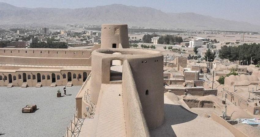 مردم در نوروز مراعات بناهای تاریخی را بکنند