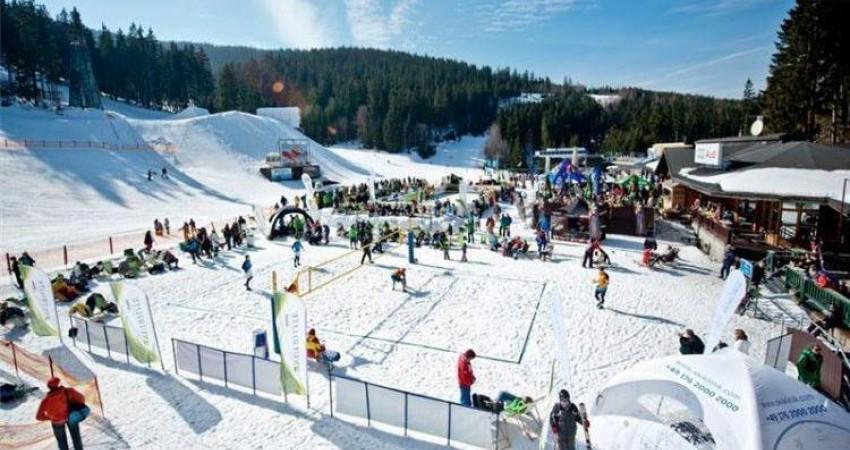 والیبال روی برف در سرعین