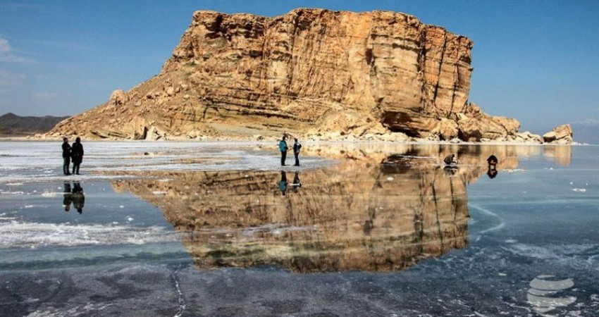 ممنوعیت شنا در دریاچه ارومیه