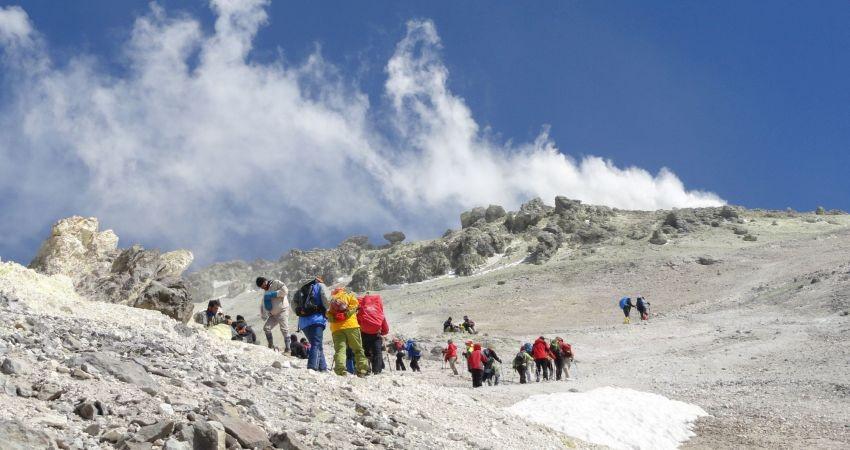 شرایط و تجهیزات لازم برای صعود به قله دماوند