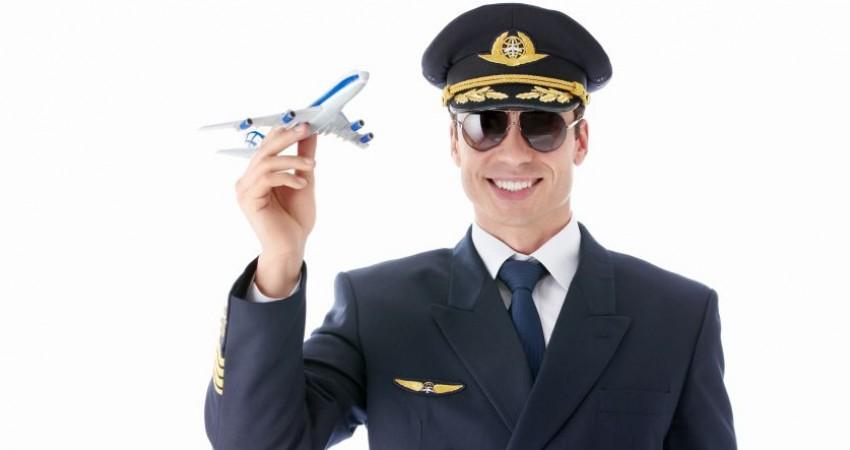 اولین شماره ماهنامه «دنیای هواپیمایی» ایران ایر منتشر شد