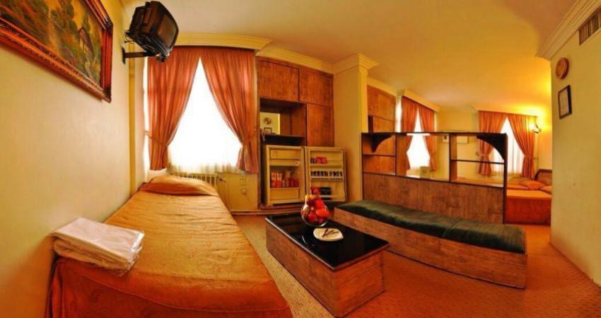 مقایسه جایگاه استاندارد در هتل های ایران/ الزام به نصب ستاره نیست