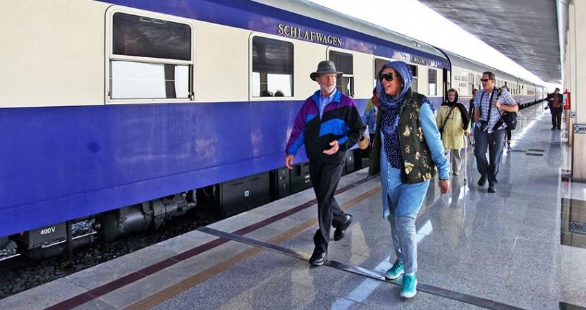 دهمین قطار گردشگران خارجی وارد ایران می شود